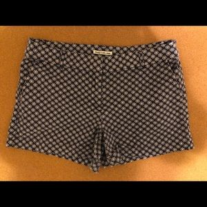 Cute blue and white patterned shorts!